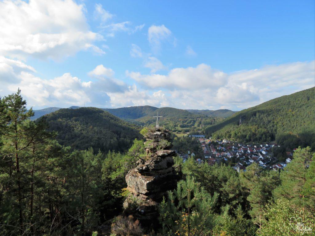 Hornstein Aussicht auf Lug #hornstein #lug #hauenstein #südwestpfalz #wanderung